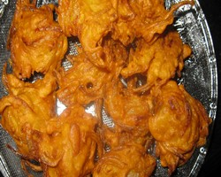 Noodles Pakora Recipe