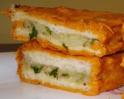 POTATO STUFFED BREAD PAKORA RECIPE